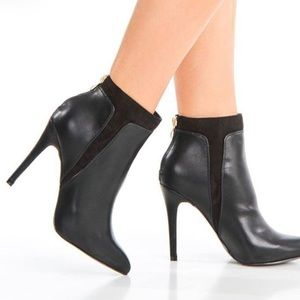 SERGIO BARI POINTED TOE ANKLE BOOTIES